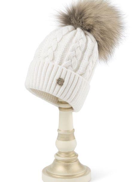 шапка вязаная двойная с косами и большим меховым помпоном белая экрю